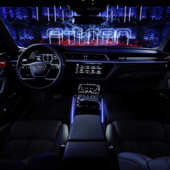 Der Audi E-tron Prototyp Auf Der Bühne Im Royal Danish Playhouse In Kopenhagen