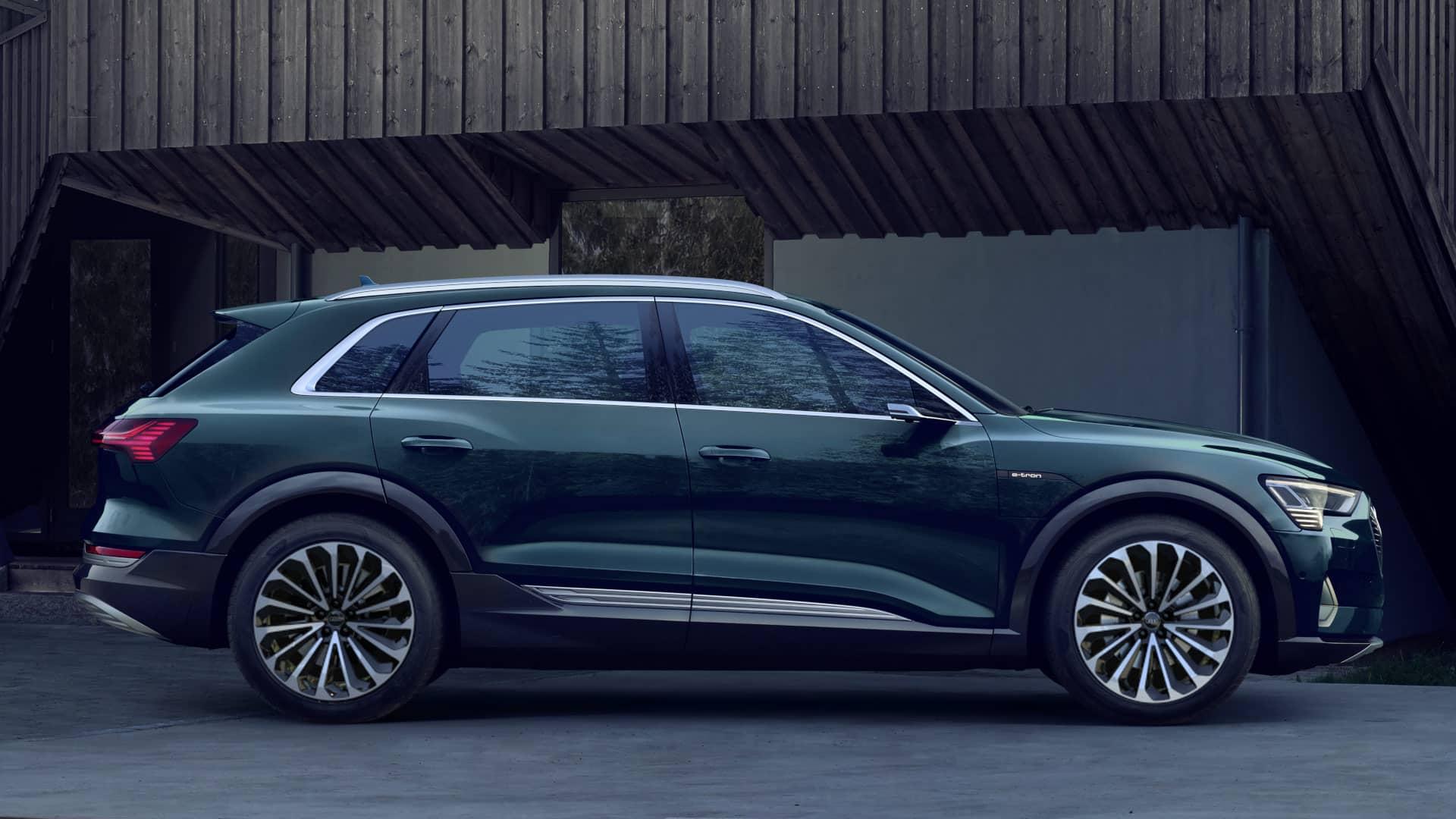 Audi e-tron Galaxisblau